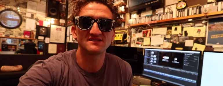 Photo of Casey Neistat describing his vlogging process.
